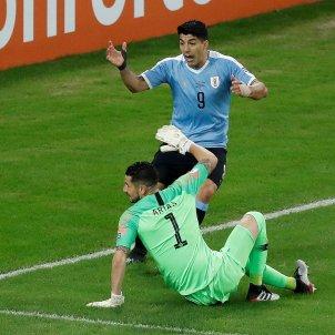Luis Suarez mans Uruguai Xile EFE