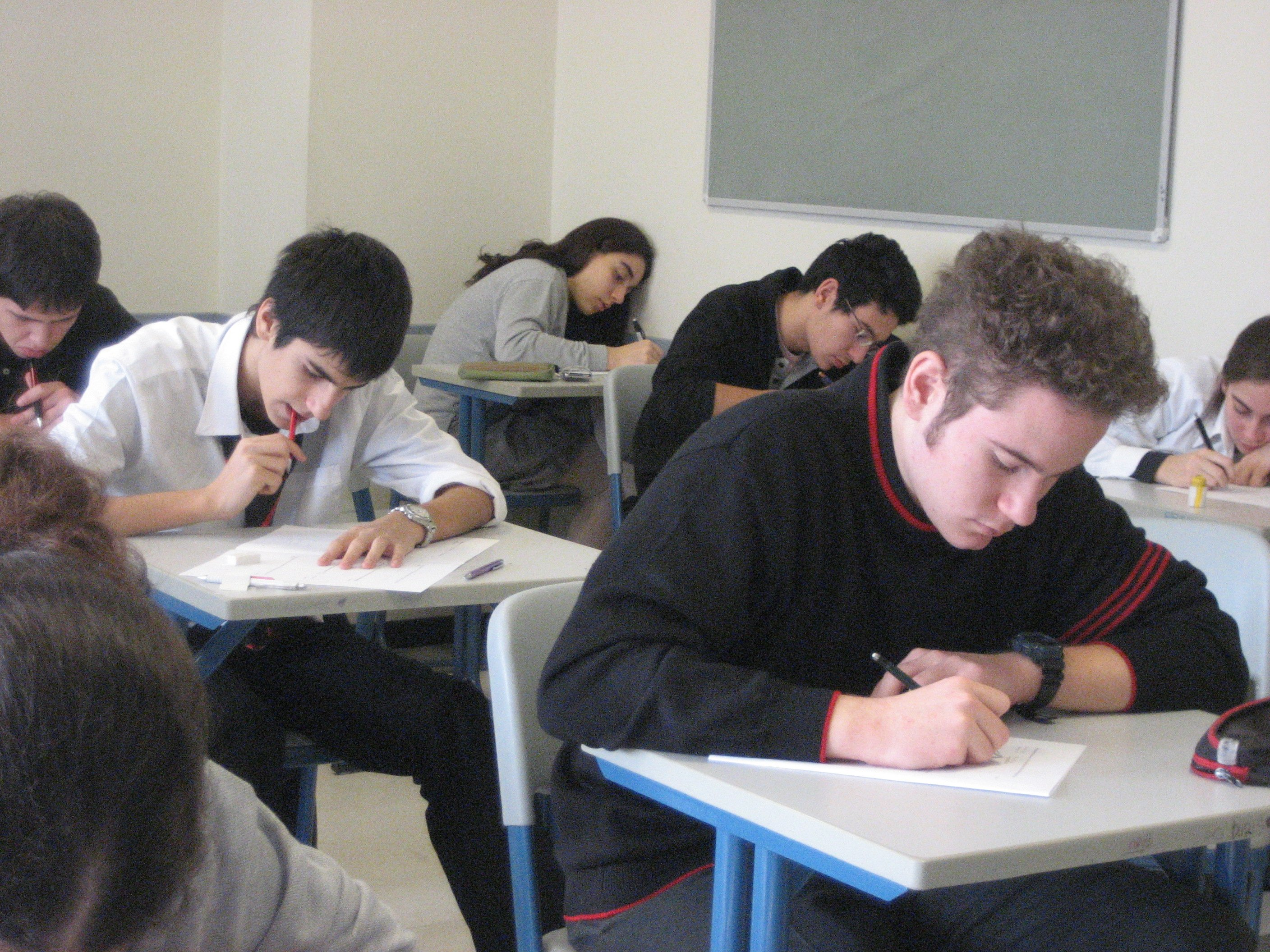 Estudiants examen Flickr   ccarlstead