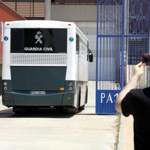 Arribada presos politics presó Zuera - ACN