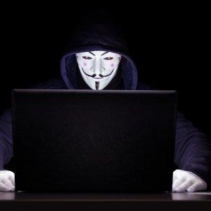 anonymous hackeig pixabay