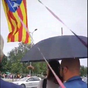 Protesta contra l'ambaixadora espanyola a Riga   @vinotava