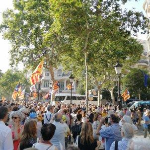 concentració Comissió Europea Barcelona - @ateneuhosta