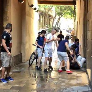 agressio japonesos barcelona robatori