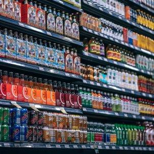 refrescos llaunes supermercat - pixabay