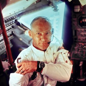 Neil Armstrong Moonwatch   Wikimedia Commons