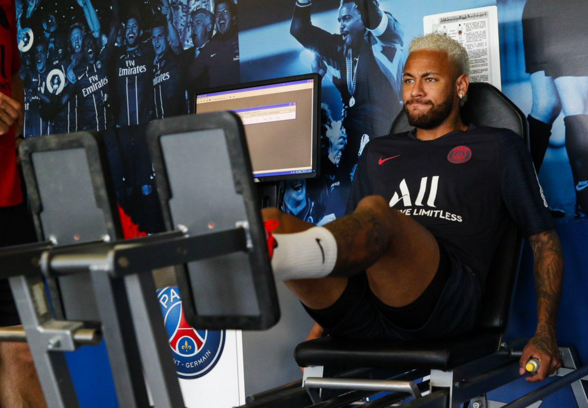 Neymar entrenament PSG @PSG inside