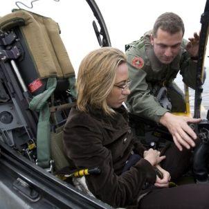 Chacón prova un avió Harrier de l'Armada/MDefensa