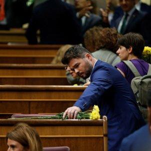 Gabriel Rufian flors grogues debat investidura EFE