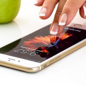 Mòbil apple Pixabay   stevepb
