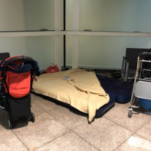matalas inflable vueling aeroport del prat - @mire_bel
