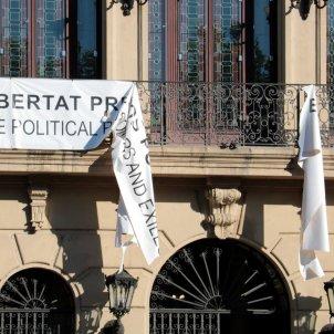 pancarta presos politics trencada lleida ACN