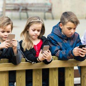 mobil nens iStock