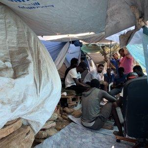 Roger Torrent en una visita a un campo de refugiados - @rogertorrent
