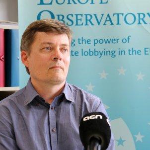 Kenneth Haar a les oficines de l'Observatori europeu dels lobbys, a Brussel·les ACN