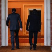 Rajoy-Puigdemont-2-efe