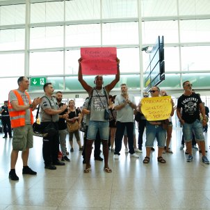protesta treballadors trablisa aeroport prat vaga sergi alcazar (1)