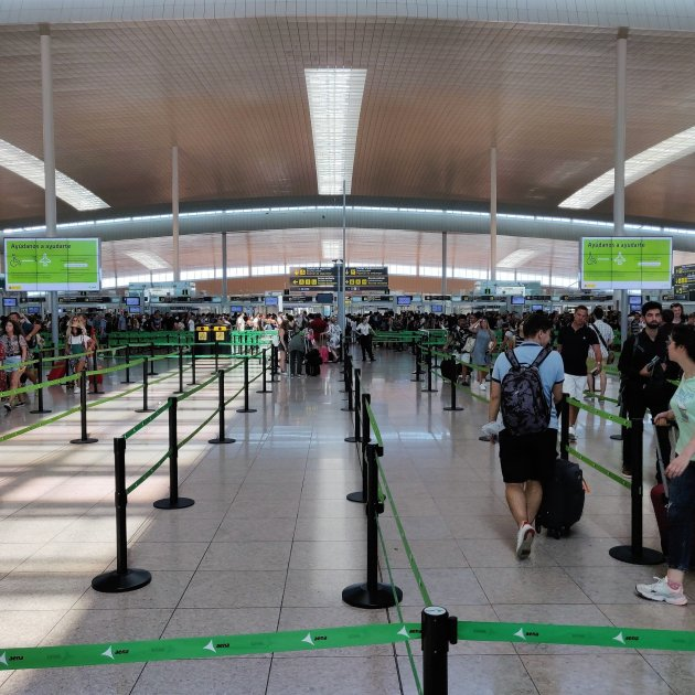 Vaga vigilants aeroport prat Europa Press