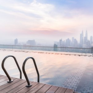 piscina hotel pixabay