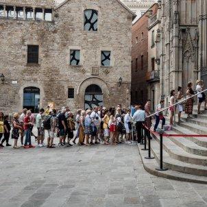 catedral de barcelona turisme turistes control accés seguretat cues - Carles Palacio