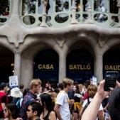 turisme turistes casa batlló gaudí passeig de gracia recurs mobil cues - Carles Palacio