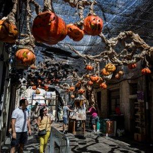 festes majors barri gracia barcelona carrer engalanat halloween - Carles Palacio