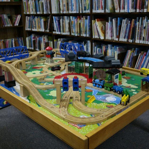Biblioteca i jocs