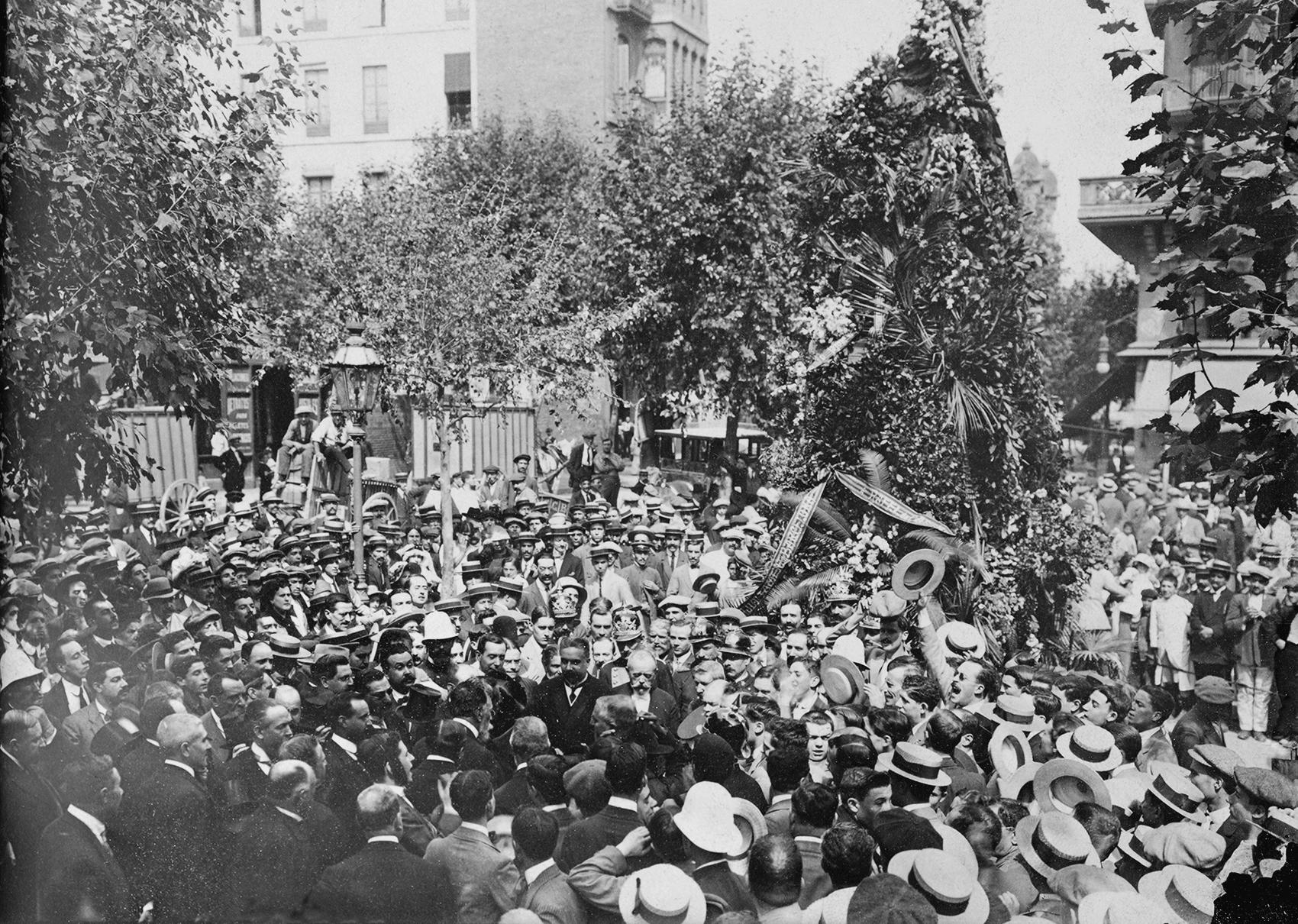 Diada 1914. Foto Carlos Perez de Rozas. Fuente Archivo Municipal de Barcelona
