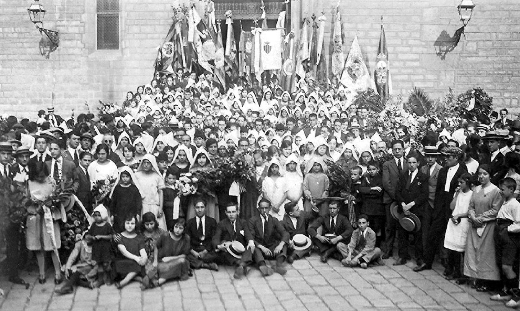 Diada 1923. Asociación Ramos de Juventud. Fuente Wikimedia Commons