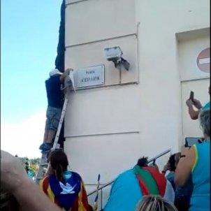 canvi cartell plaça Espanya @sempresaludava