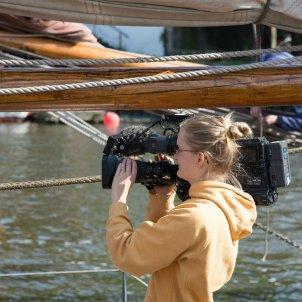 FX Women Talks cinema femení camera pixabay