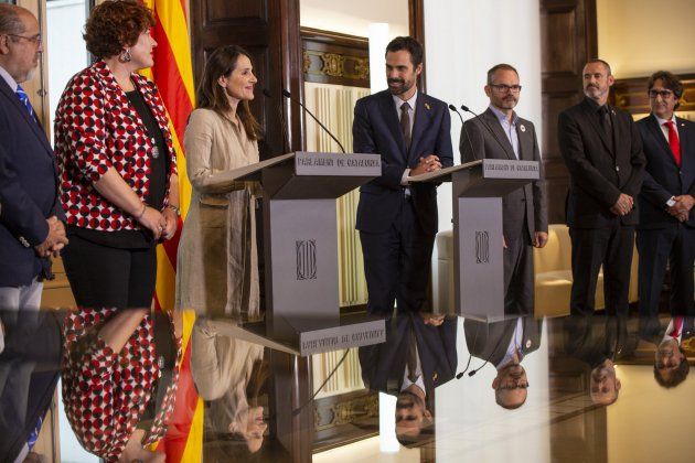 Roger Torrent Bakartxo Tejeria presidenta Parlamento Vasco mesa - Sergi Alcàzar