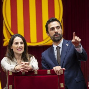 Roger Torrent Bakartxo Tejeria presidenta Parlament Basc mesa - Sergi Alcàzar