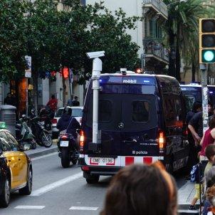 Mossos manifestacio ocupa Gracia - roberto Lázaro