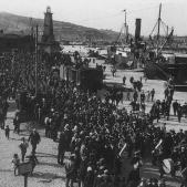 Embarcament de soldats catalans cap a la Guerra de Melilla. Font Universitat de Barcelona