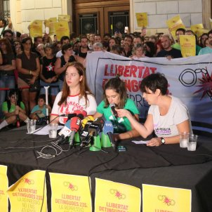 Familairs CDr detinguts roda de premsa sabadell - ACN