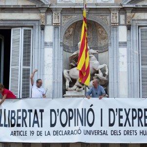 Generalitat pancarta a la façana Baños llach Bel - europa press