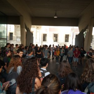 Estudiants UB Raval aniversari 1 O   SEPC Twitter