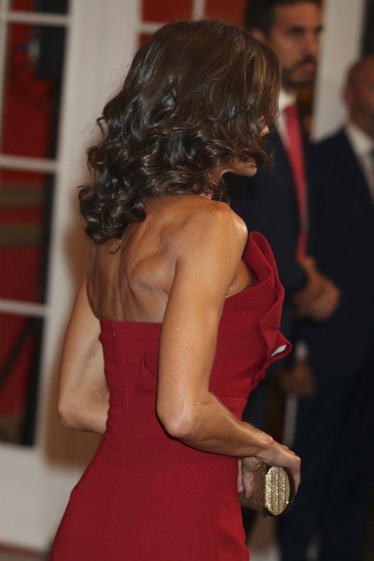La princesa de Suecia humilla a Letizia: lucir espalda sin..