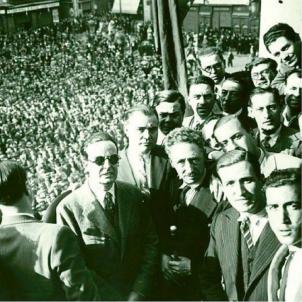 El president Companys proclama l'Estat català. El govern de Catalunya en la proclamació de l'Estat català. Font Enciclopedia Catalana