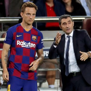 Ivan Rakitic Ernesto Valverde Barca Sevilla EFE