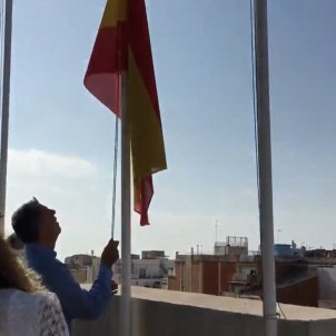 albiol bandera espanyola badalona ajuntament