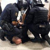 ELNACIONAL mossos carreguen manifestants aeroport del Prat Sergi Alcàzar (3)