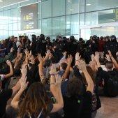 ELNACIONAL asseguda manifestació aeroport del Prat Sira Esclasans