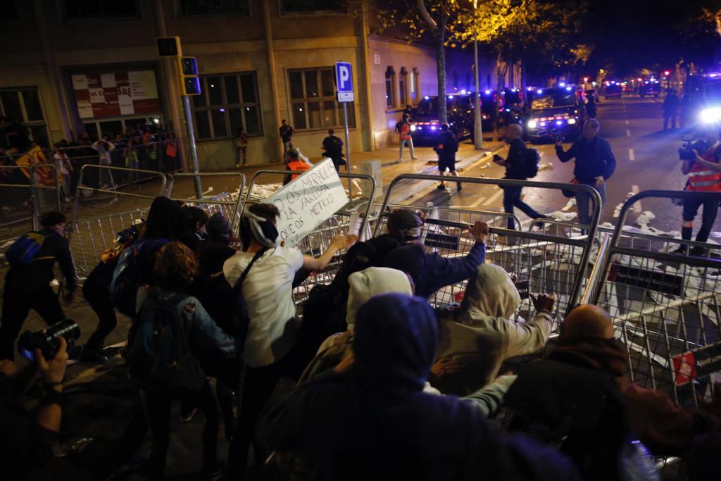 Elnacional Manifestació Cdr Barcelona Departament Interior - Sergi Alcàzar