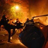 ELNACIONAL Incidents Barcelona crema barricades cotxes contenidors - Sergi Alcàzar