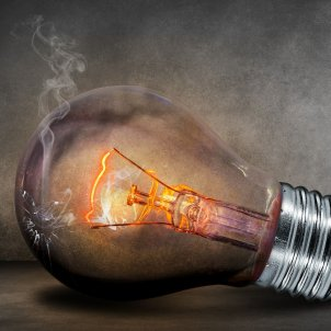 bombeta llum, comfreak pixabay