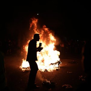 periodista tv russa foc aldarulls barcelona - pau venteo