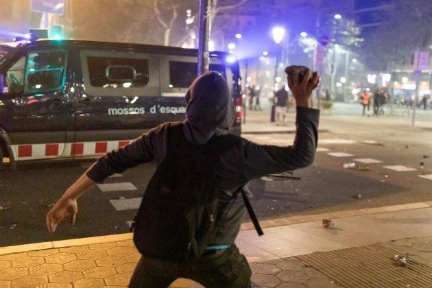 mani cdr passeig de gracia aldarulls mossos - pau venteo