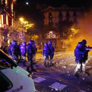 ELNACIONAL Disturbis Barcelona CDR Mossos - Sergi Alcàzar