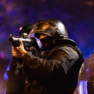 ELNACIONAL aldarulls barcelona carrer valencia mossos - pau venteo